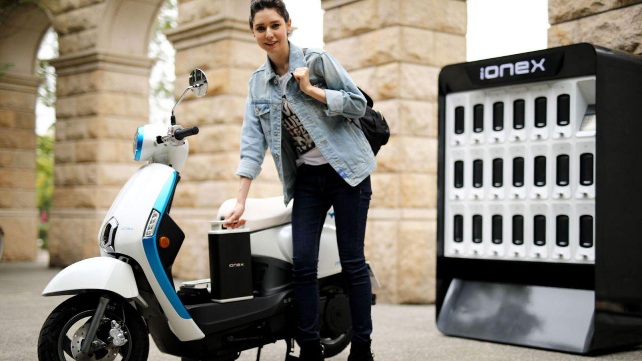 Kymco iONEX, lo scooter elettrico che promette un'autonomia infinita