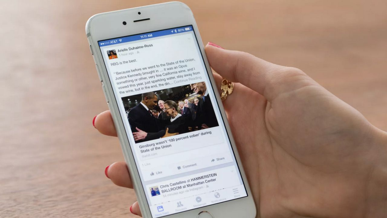 L'app di Facebook arriva sulle Smart TV targate Samsung