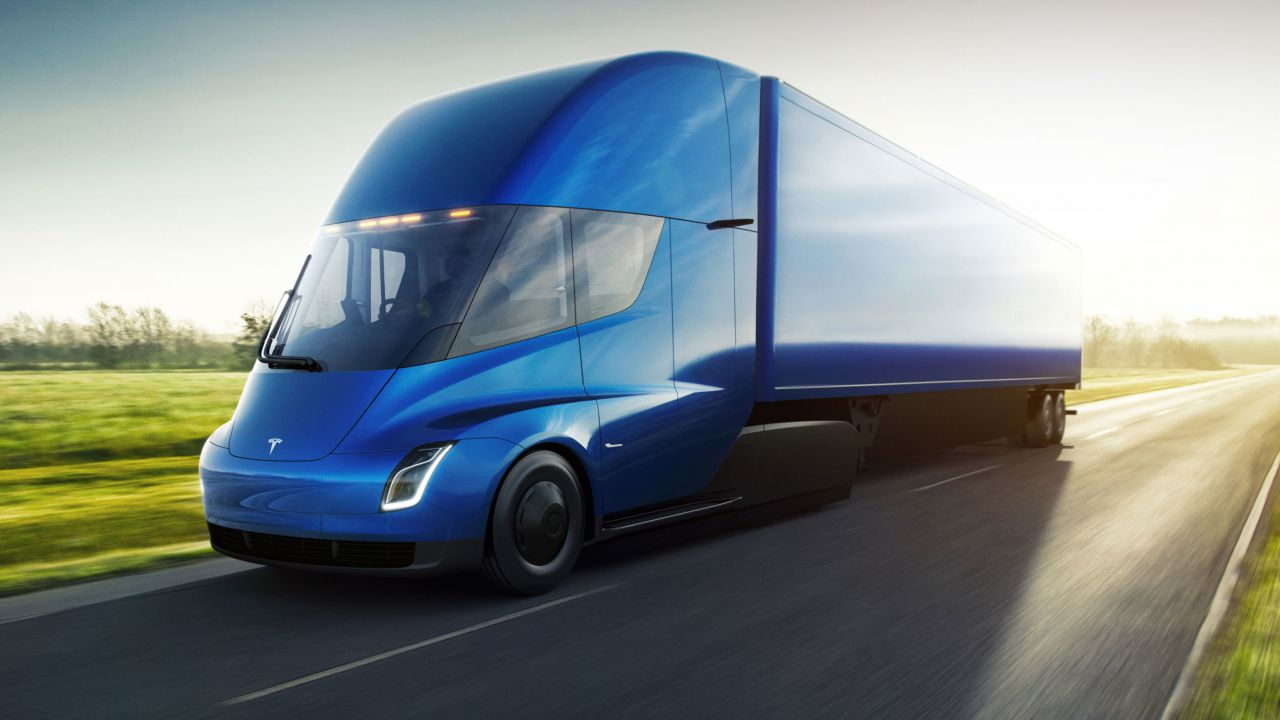 L'attesissimo Tesla Semi sta arrivando: parla Elon Musk in persona