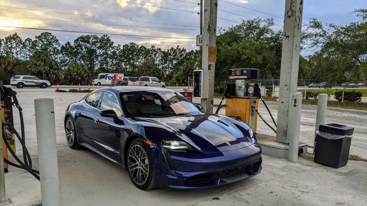 L'autonomia della Porsche Taycan è davvero deludente? La prova su strada dice il contrario