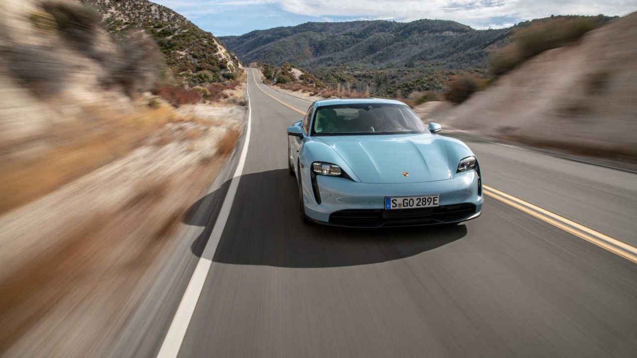 L'autonomia della Porsche Taycan sorprende ancora: i dati EPA sono errati?