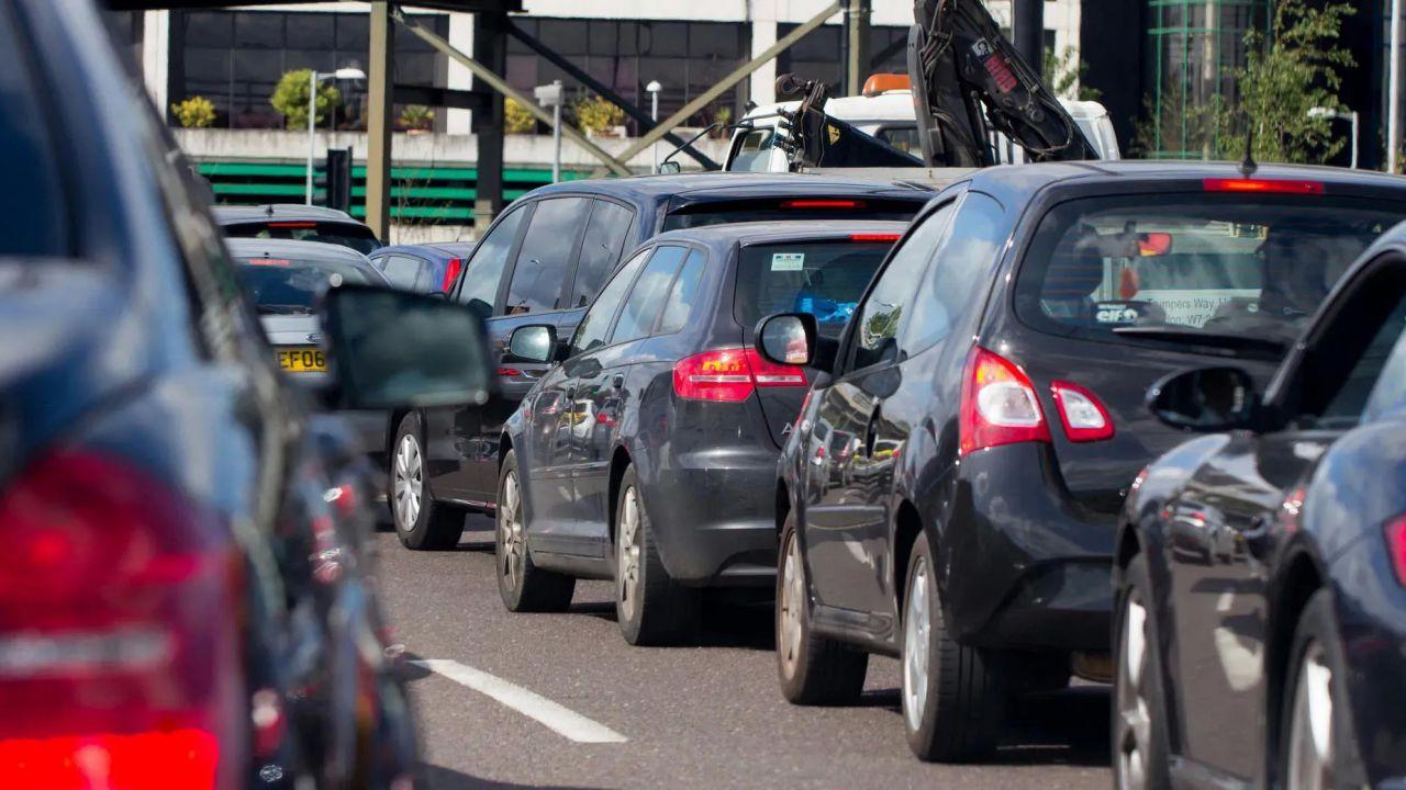 L'Europa ammonisce i produttori di auto: abbassare le emissioni o saranno sanzioni