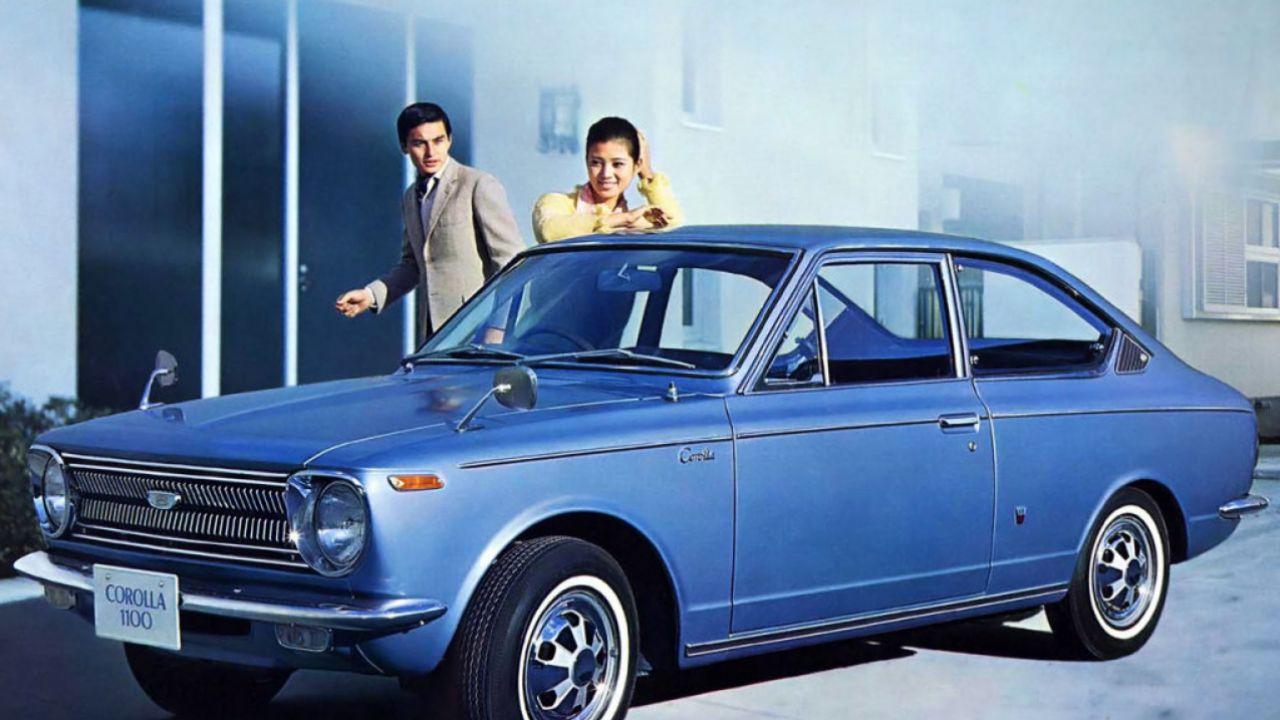 L'evoluzione degli interni della Toyota Corolla dal 1966 ad oggi