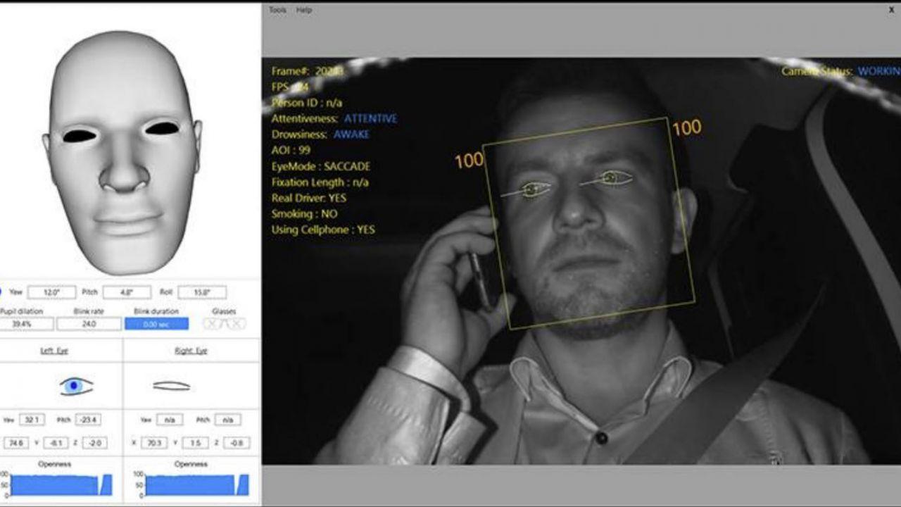 L'IA di Seat ti monitora mentre guidi: nessuna tolleranza per le distrazioni