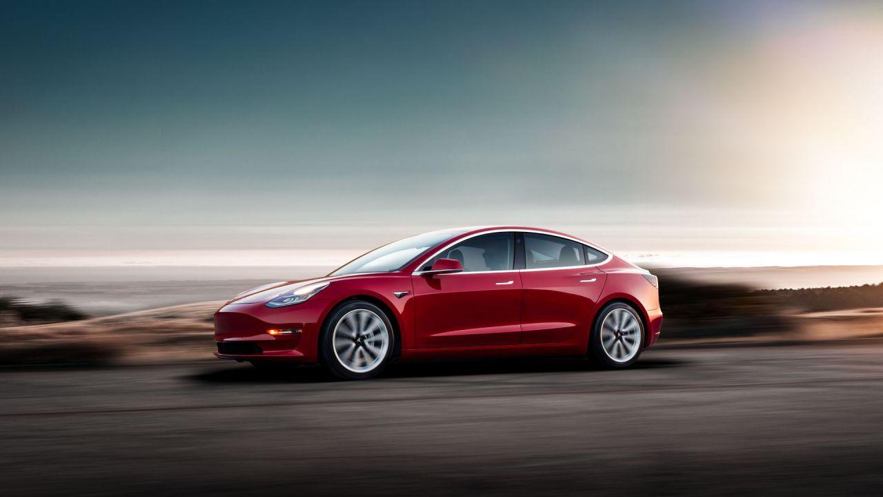 L'NHTSA rimprovera Tesla: la Model 3 non è l'auto più sicura del mercato in assoluto