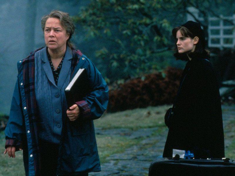 L'ultima eclissi: tutti gli eatser egg del film di Stephen King con Kathy Bates