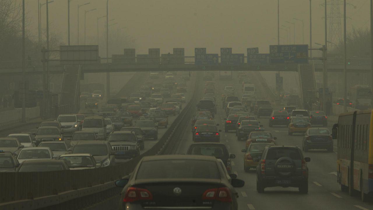 L'Unione Europea ha dato l'ok definitivo al taglio del 37,5% di CO2 auto