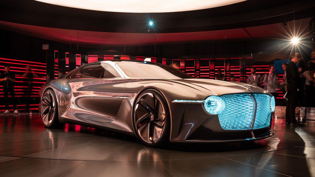 La prima Bentley elettrica sarà una grossa berlina con lo stile della EXP 100 GT