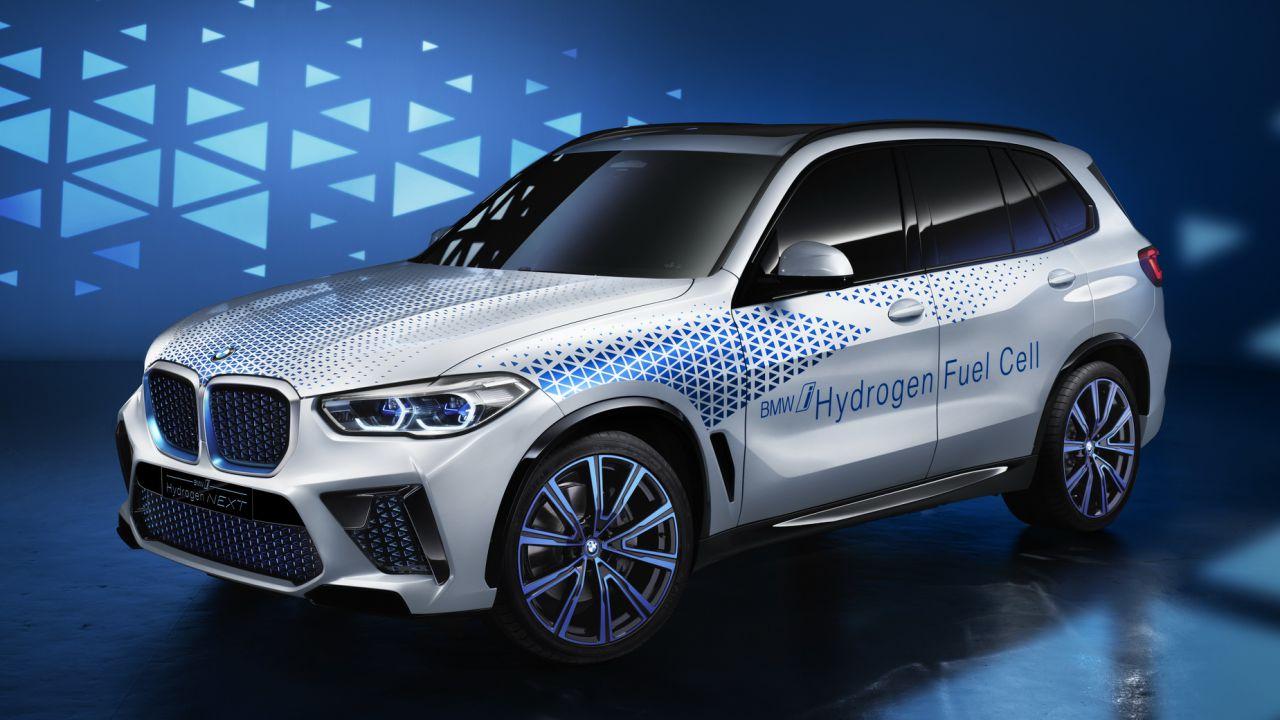 La BMW X5 a idrogeno arriverà: ecco la data del debutto