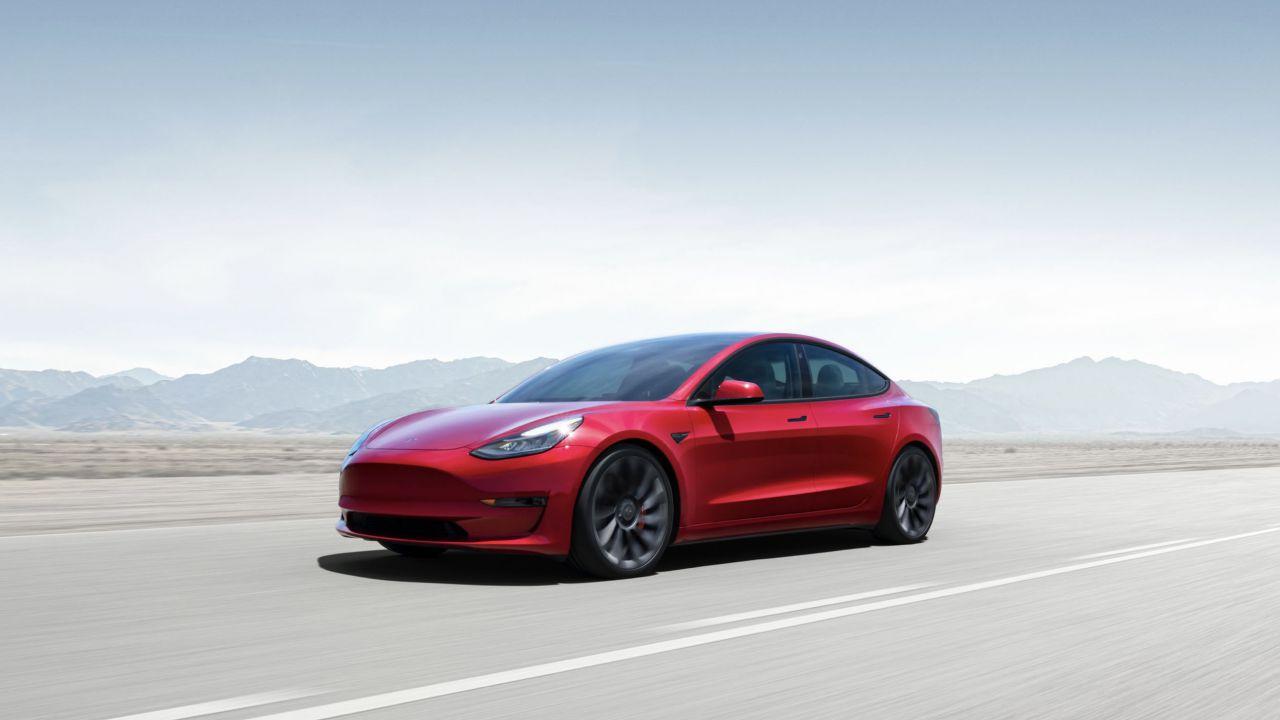 La conferma di Tesla: le Model 3 2021 avranno batterie da 82 kWh grazie alle nuove celle