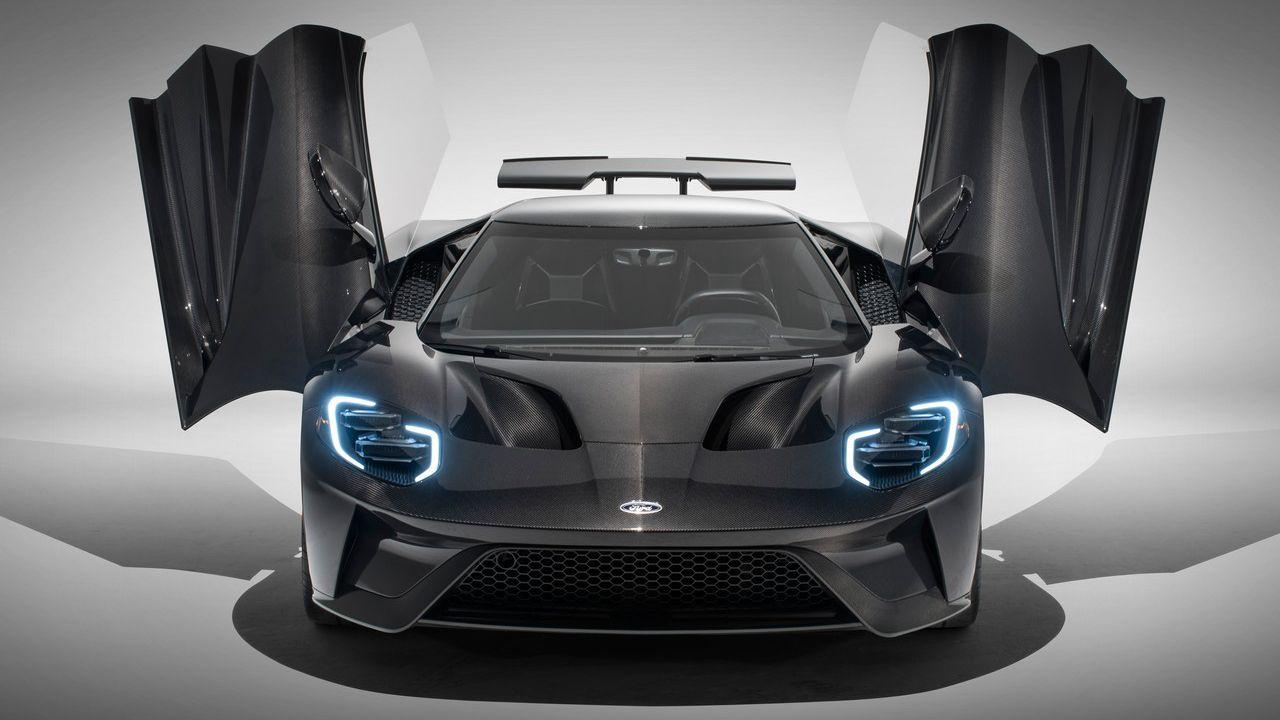 La Ford GT 2020 debutterà con più potenza e tanta fibra di carbonio: le immagini