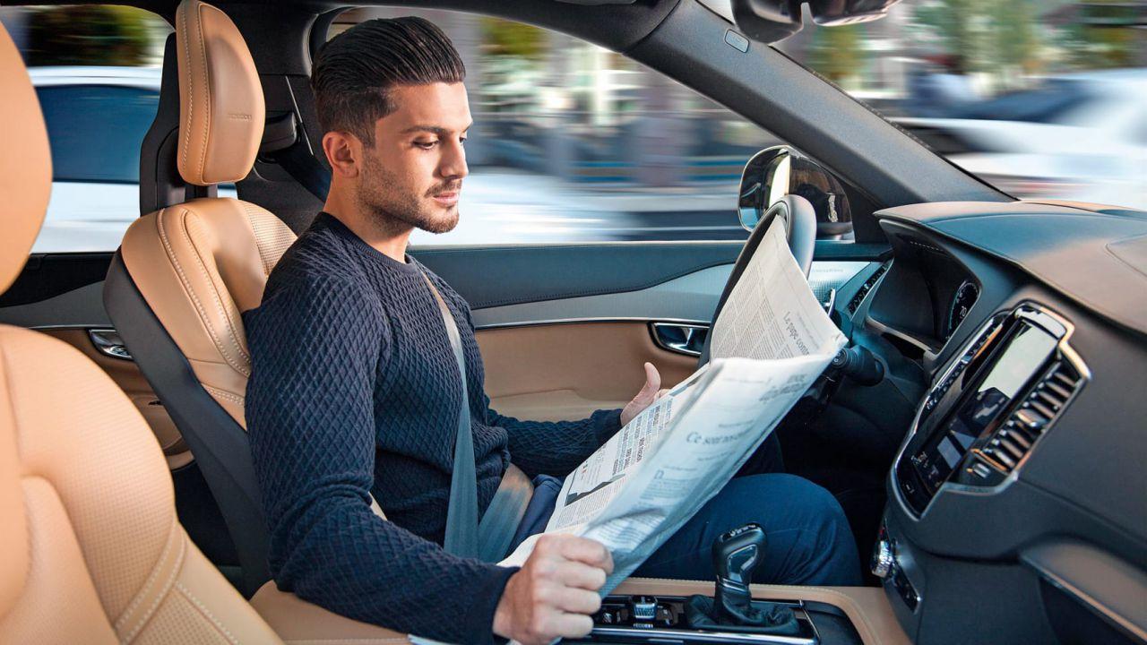 La guida autonoma ci farà bere di più, l'allarme dei ricercatori