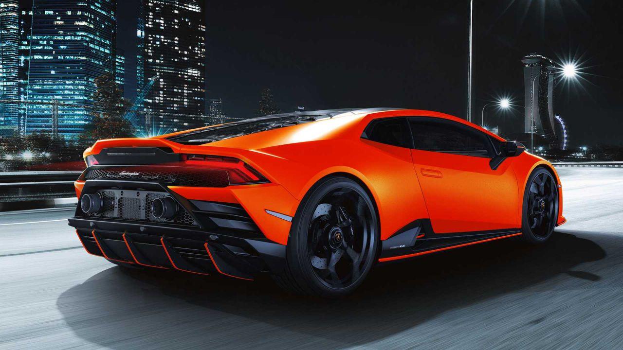 La Lamborghini Huracan Evo si rinnova con le tonalità Fluo Capsule