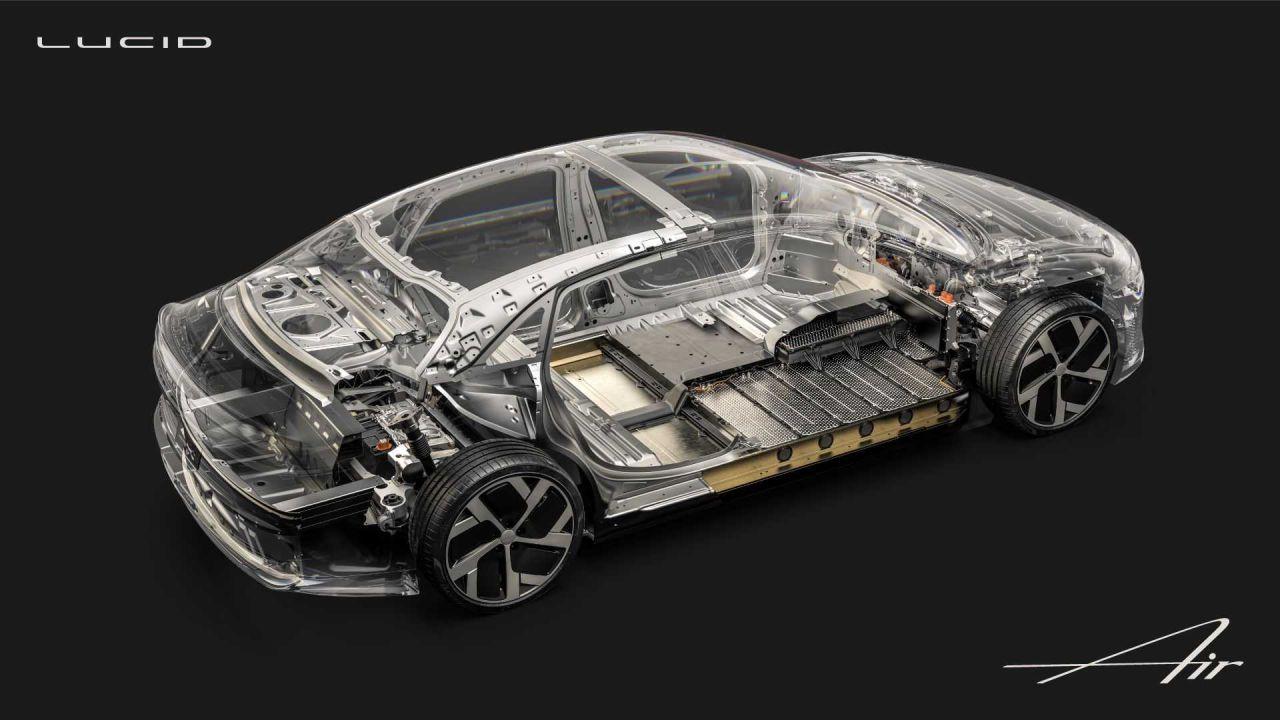 La Lucid Air punta tutto sull'autonomia: batteria da 113 kWh e più di 830 km di range