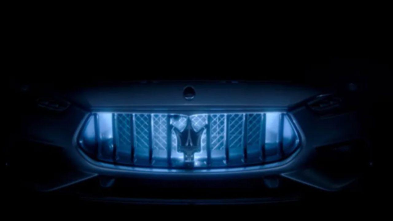La prima Maserati ibrida della storia ci mostra la sua griglia, è quella della Ghibli