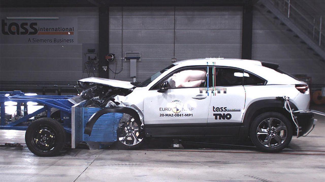 La Mazda MX-30 elettrica è una delle auto più sicure in circolazione