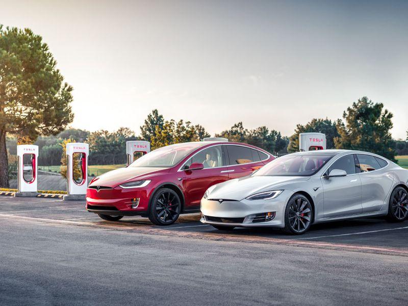 La NHTSA ha chiesto a Tesla il richiamo di 100.000 Model S e Model X