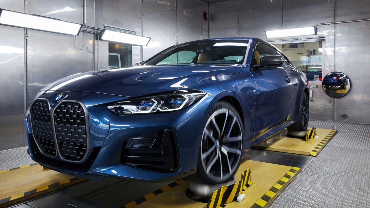 La nuova BMW Serie 4 entra in produzione: ecco la gigantesca griglia