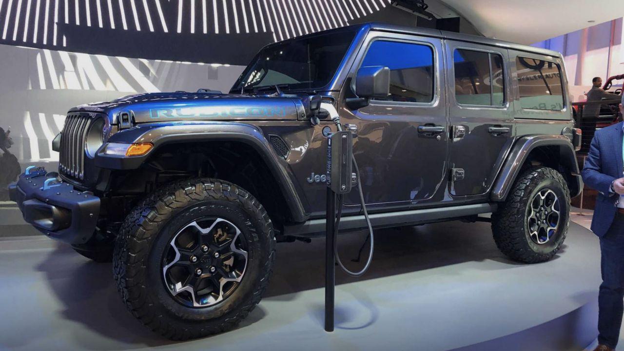 La nuova Jeep Wrangler ibrida plug-in in ricarica al CES 2020