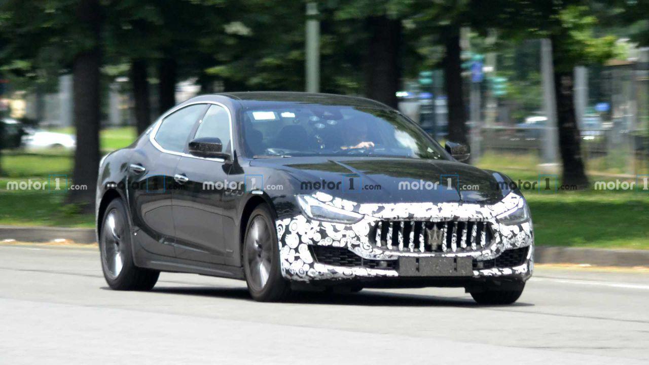 La nuova Maserati Ghibli in immagini spia: sarà anche Plug-In Hybrid