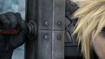 La Playstation 3 di Final Fantasy VII Advent Children in posa