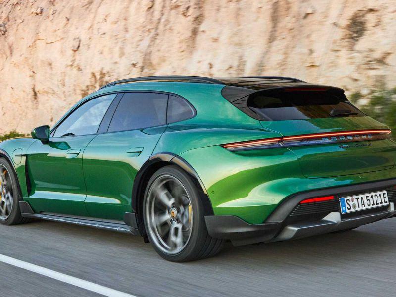 La Porsche Taycan Cross Turismo è tra noi: praticità e comfort a zero emissioni