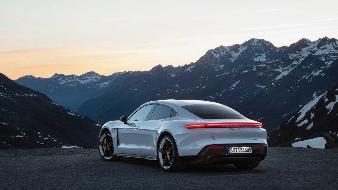 La Porsche Taycan vola: le vendite sono eccezionali