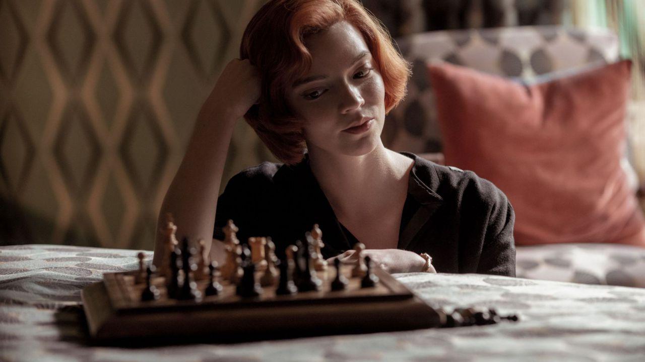 La Regina degli Scacchi: i protagonisti sembrano familiari? Ecco dove li avete già visti