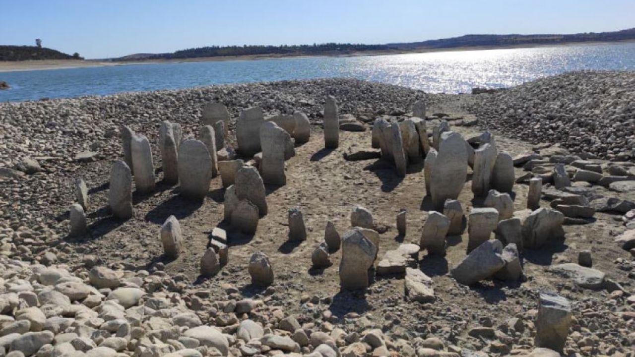 La siccità in Spagna ha riesumato un'antica 'Stonehenge' vecchia 4.000 anni