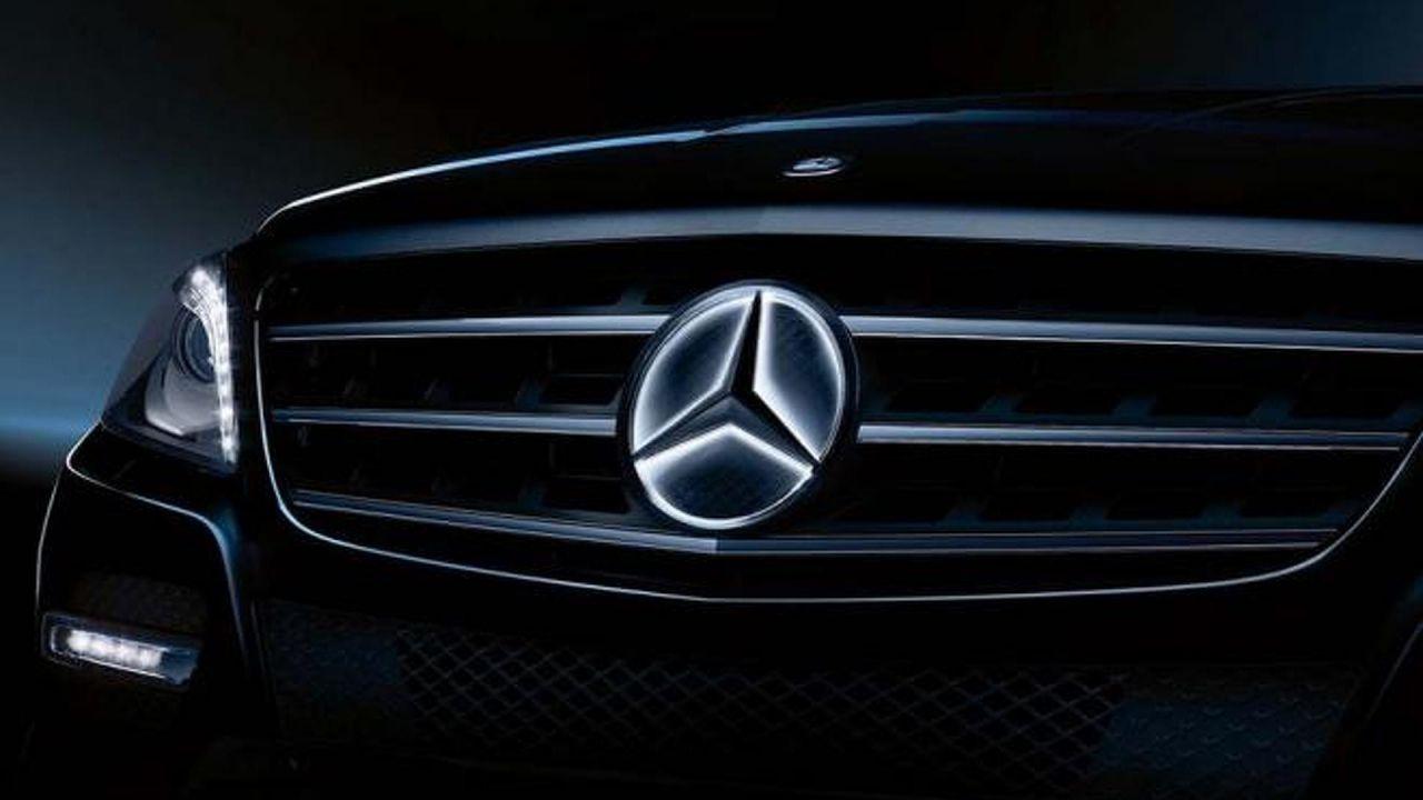 La stella luminosa di Mercedes guasta il servosterzo: richiamate oltre 12.000 auto
