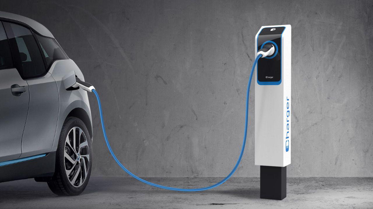 La Svezia vuole fermare la vendita di auto a benzina e diesel: al via un'indagine