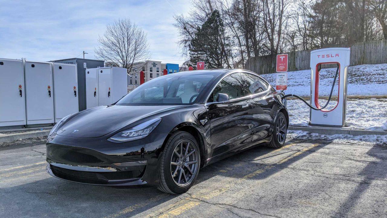 La Tesla Model 3 dopo un anno di utilizzo: 5 caratteristiche top