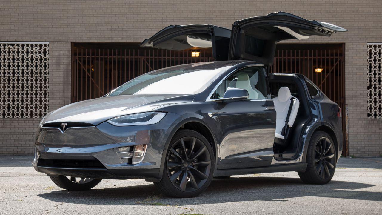 La Tesla Model X 2021 ha una migliore autonomia: ora si sfiorano i 600 km