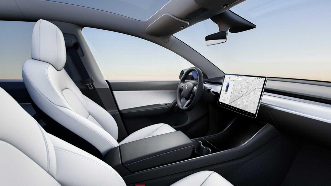La Tesla Model Y avrà 7 posti: prima foto dei sedili extra