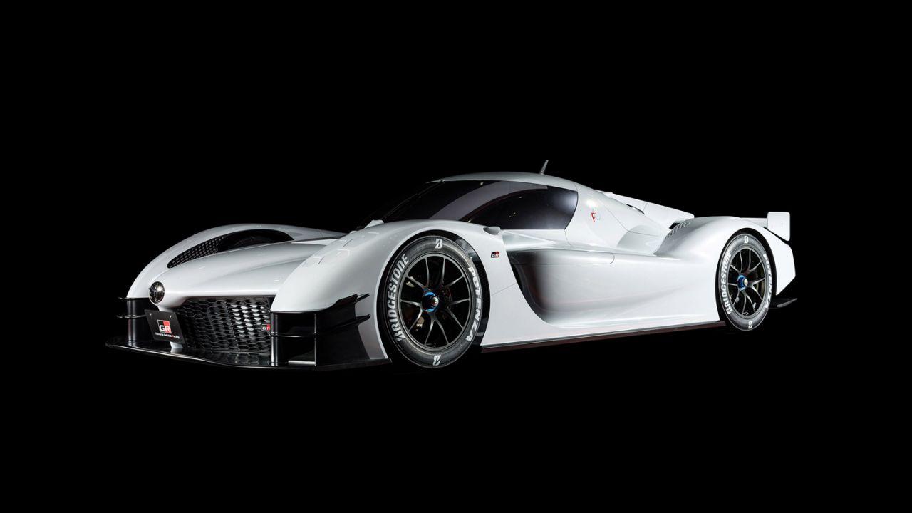 La Toyota GR Super Sport avrà un'unica e stravagante portiera?