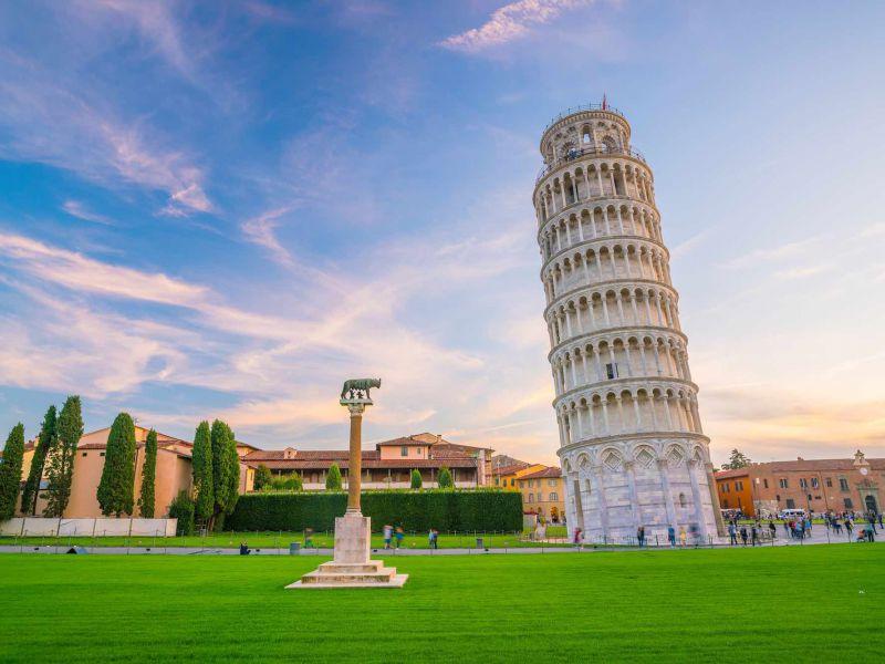 La travagliata storia della Torre di Pisa: pendere o non pendere? Questo è il dilemma