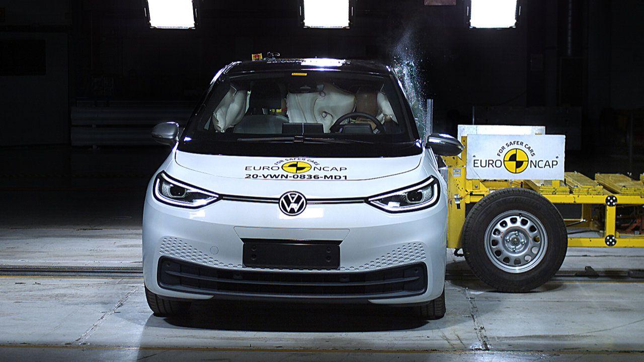 La Volkswagen ID 3 è sicurissima: ottenute cinque stelle Euro NCAP