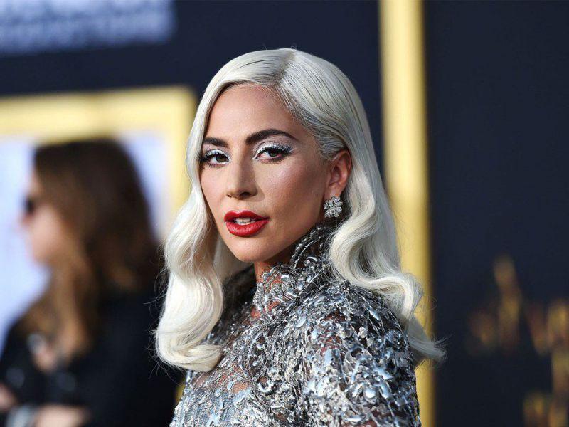 Lady Gaga compie 35 anni: guardate che regalo ha ricevuto sul set di House of Gucci!