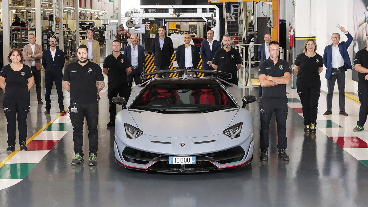 Lamborghini Aventador raggiunge quota 10.000 esemplari prodotti