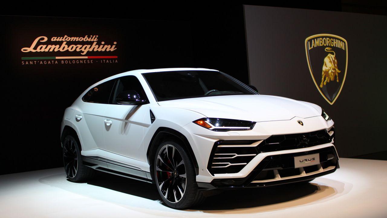 Lamborghini Urus: un esemplare incidentato viene venduto a metà ...