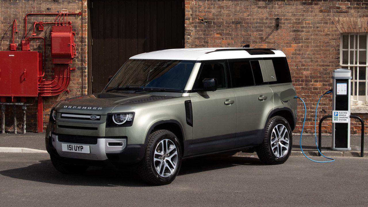 Land Rover Defender 2021: arriva l'ibrido plug-in e un ...