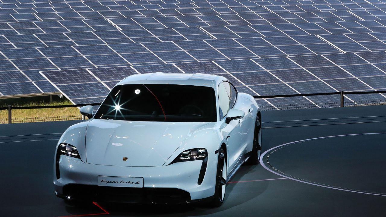 Le auto elettriche nel 2030 saranno predominanti, lo afferma uno studio
