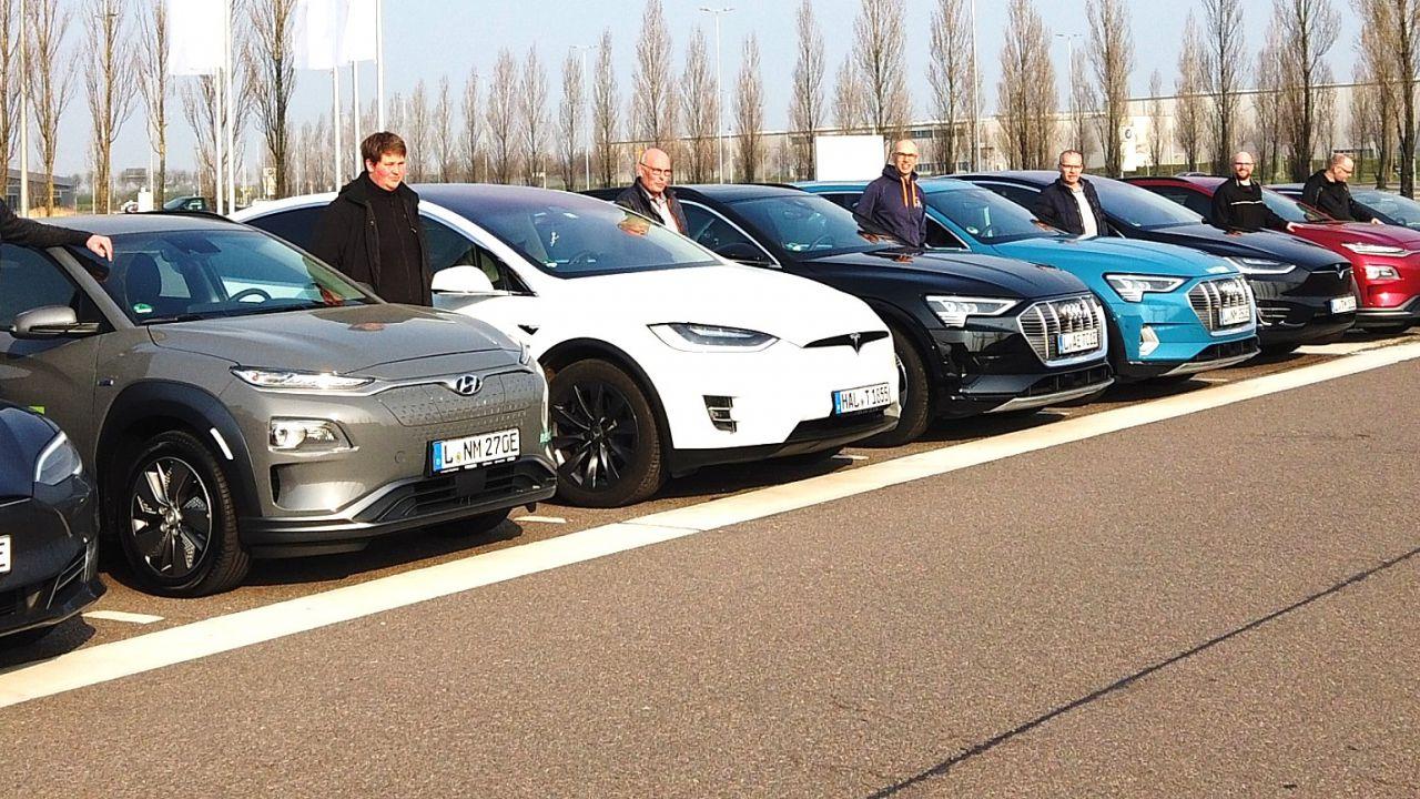 Le auto Tesla contro Audi e-tron e Kona: chi ha più autonomia in autostrada?