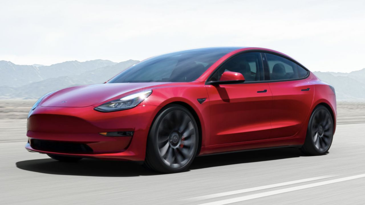 Le auto tradizionali scompaiono dalla Norvegia: Tesla Model 3 e VW ID.3 dominano la scena