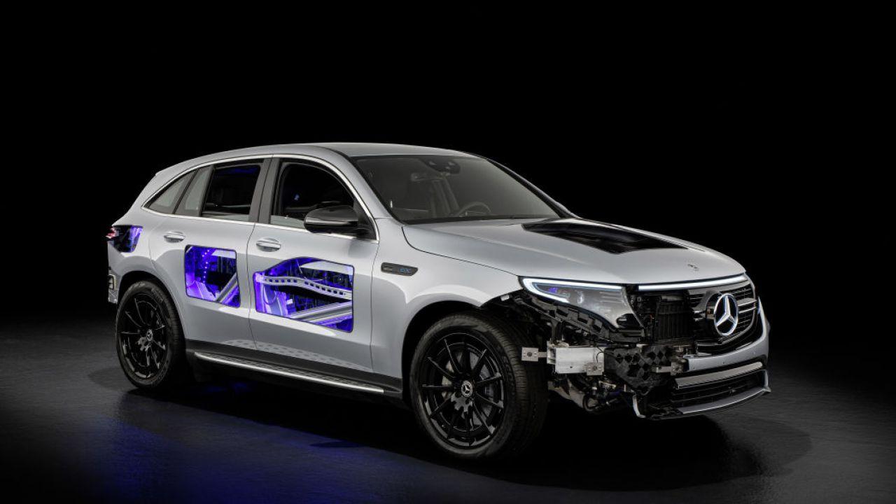 Le Mercedes-Benz elettriche vi permetteranno di selezionare il suono del motore
