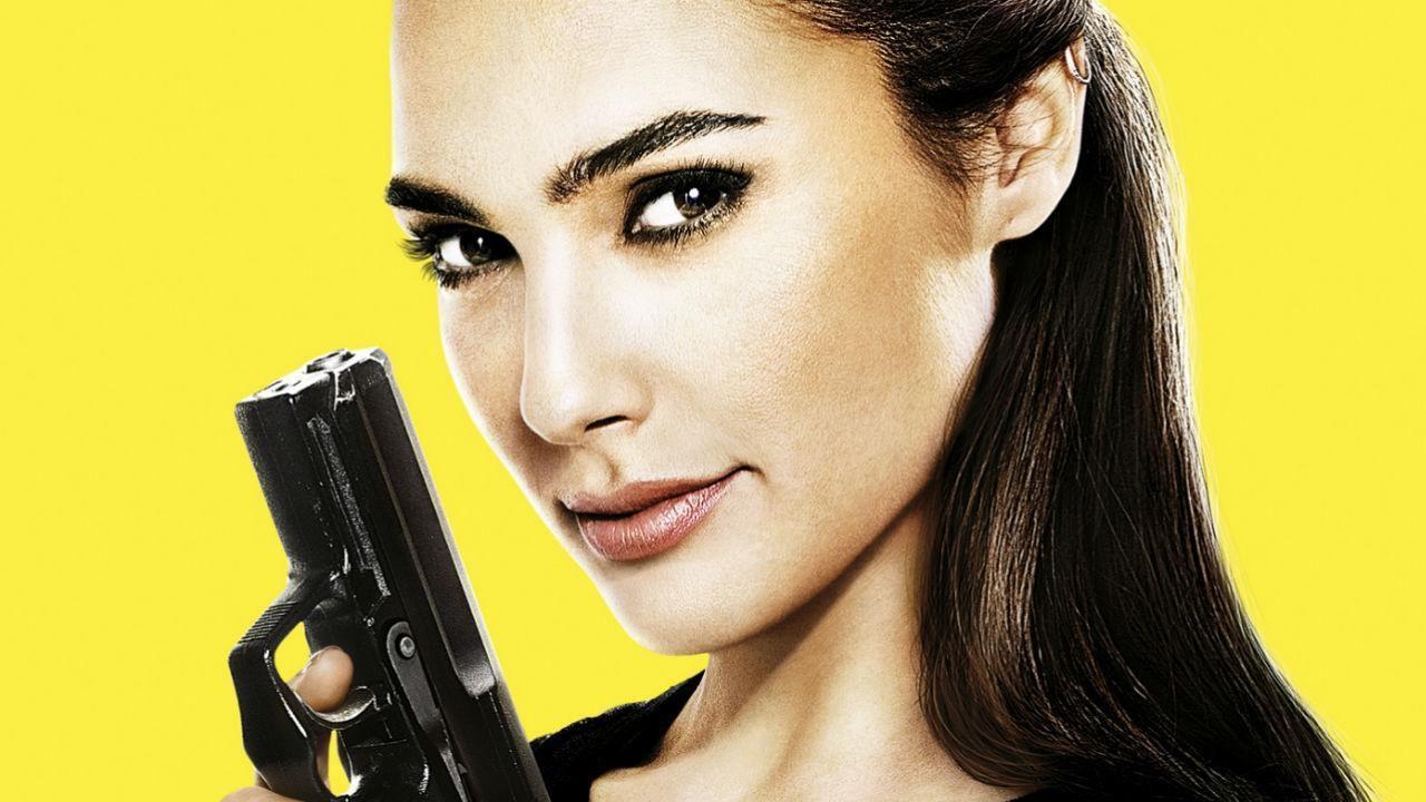 Le spie della porta accanto: ecco una nuova clip del film con Gal Gadot