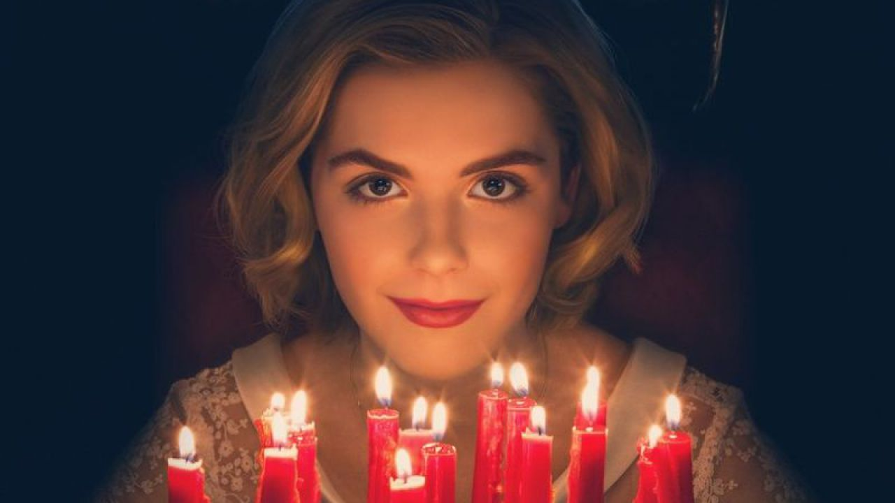 Le Terrificanti Avventure di Sabrina celebra il compleanno della strega con un poster