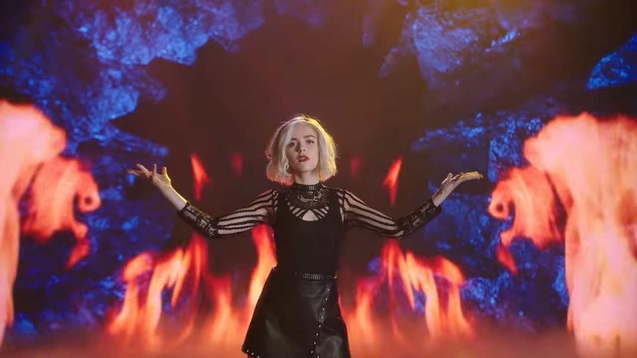 Le terrificanti avventure di Sabrina, lo showrunner criptico sul futuro: i dettagli