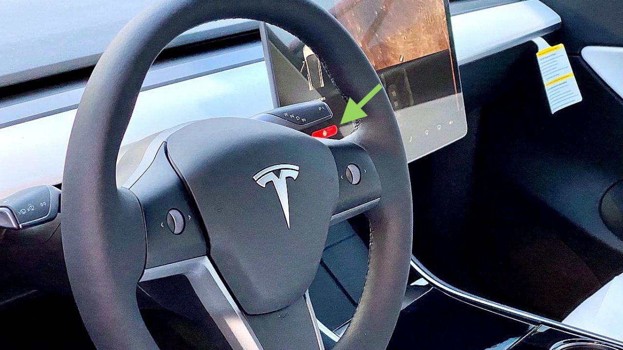 Le Tesla Model 3 con volante riscaldato sono già in circolazione