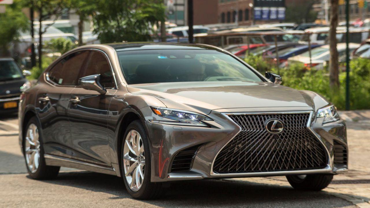 Lexus sfida Autopilot: Highway Teammate non richiede di tenere le mani sul volante